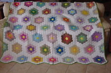 AMERICAS ANTIQUES CLASSIC GRANDMOTHERS FLOWER GARDEN QUILT CLEAN READY TO USE !