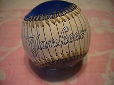 VINTAGE NY YANKEES BEAUTIFUL COLORFUL SOUVENIR BASEBALL #2, VERY GOOD COND!!