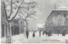 9358) ASIAGO (VICENZA) STAZIONE PIENA DI NEVE, CAVALLO CON SLITTA E PASSANTI.