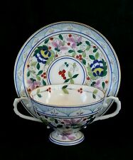 Exquisite antique Royal Vienna Austria hand painted porcelain tea cup & saucer
