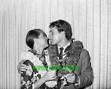 RYAN O'NEAL & LEIGH TAYLOR-YOUNG 8X10 Lab Photo B&W 1967 Hawaii Wedding Day Lei