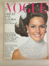 "VOGUE US October 15, 1967 ""Great Day Looks"" Collection Vintage Fashion Mode"