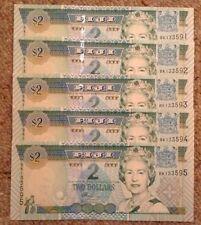 Lote de 5 X Fiji billetes. dos dólares. UNC. reinas publicaciones seriadas consecutivos imagen.