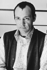 Kevin Spacey As Roger 'Verbal' Kint In The Usual Suspects 11x17 Mini Poster