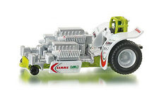 *NEW* FARMER 1828 SIKU CLAAS Green Fighter Pulling Tractor 1:87 Diecast Model