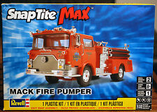 Mack Fire Pumper, 1:32, Revell USA 1945
