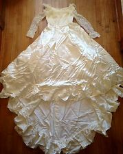 Antique Vintage Cream White Lace Long Sleeve Classic Wedding Dress PETITE 6/8/10