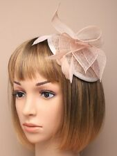 LADIES nude HATINATOR HAIR FASCINATOR 5344 FEATHERS HAT WEDDING comb n