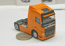 Herpa 303767-002 Volvo FH Globetrotter Tractor, yellow-orange
