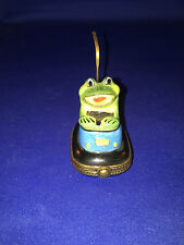 limoges box GREEN FROG IN BLUE BUMPER CAR LEAF INSIDE