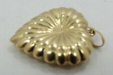 Nice Vintage 14K Yellow Gold Puffy Scalloped Heart Pendant Charm A144