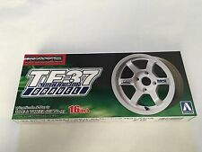 "Aoshima Volk Racing TE37 White ""16 inch wheel"" 1/24 Model Parts"