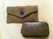 Pochette à pansement en reproduction avec 1 pansement en boite originale WW2