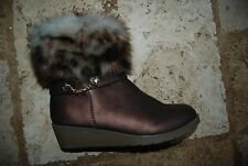 Coppery Brown Faux Leather JUICY COUTURE Side Zip Ankle Boots w/Fur Trim Girls 4
