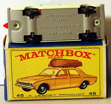 DTE LESNEY MATCHBOX REGULAR WHEELS 45-2 FORD CORSAIR W/BOAT W/GREY PAINTED BASE