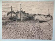 Grand fusain Barques sur la grève MARINE signée D. ALINE - PLAGE DE NICE