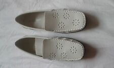 LADIES BNWOB COTTON TRADERS WHITE SLIP ON SHOES SIZE 5