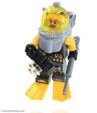 LEGO Atlantis MiniFigure - Diver 6 (Jeff Fisher, w/ Yellow Flippers)  Set 7978
