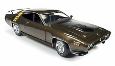 1971 Plymouth Road Runner Hardtop Tawny Gold 1:18 Auto World Ertl AMM1063