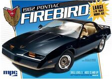MPC 1982 Pontiac Firebird with T-Tops model kit 1/16