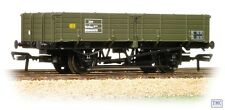 38-702 Bachmann OO/HO Gauge 12 Ton Pipe Wagon BR Engineers Olive Green