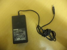 Toshiba Laptop AC Adaptor Charger PSU PA2438U Output: 15V 2A