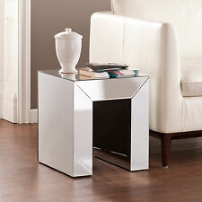 JMT19500 SILVER MIRRORED ACCENT TABLE