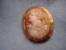Vintage 10KT. Yellow Gold Shell Cameo  Pin