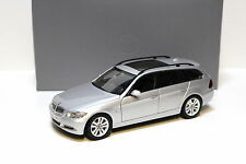 1:18 Kyosho BMW 330i E91 Touring Titansilver DEALER NEW at PREMIUM-MODELCARS