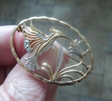 Attractive 9ct Yellow & White Gold Humming Bird & Flower Brooch import mark 1984