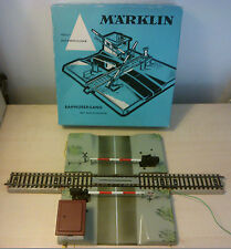 MÄRKLIN H0 7192 Fully Automatic Railroad Crossing with Track Piece and