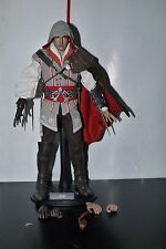 HOT TOYS EZIO ASSASSINS CREED II 2 SIDESHOW 1/6 FIGURE VGM12 COMPLETE