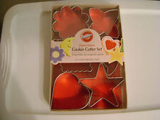 WILTON METAL 6pc CLASSIC SHAPES COOKIE CUTTER SET / NEW / SEALED