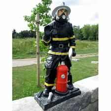FEUERWEHR MANN mit HELM AXT HYDRANT Deko Figur BRANDMEISTER FAN Statue Skulptur