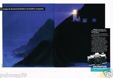 Publicité advertising 1983 (2 pages) Appareil photo Olympus OM-20
