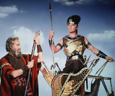 Charlton Heston and Yul Brynner UNSIGNED photo - C57 - The Ten Commandments