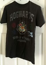 Hogwarts School of Wizardry & Witchcraft Harry Potter gray t-shirt size Small!!