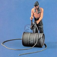 Verlinden 54mm 1/35 German Tanker Refueling with Hand Pump & Fuel Drum WWII 461