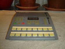 Alesis HR-16, High Sample Rate 16 Bit Drum Machine, Vintage Unit
