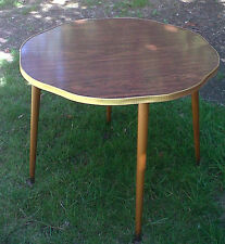 RETRO/VTG 60s/70s ROUND FORMICA COFFEE TABLE ATOMIC/SPUTNIK LEGS