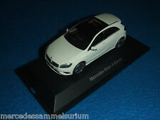 Mercedes Benz W 176 nuevos a clase/New a class zirrusweiss/White 1:43 nuevo