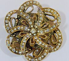 VINTAGE HAR SIGNED RHINESTONE FAUX SEED PEARL ANTIQUE GT DIMENSIONAL BROOCH PIN