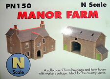 New Metcalfe Manor Farm PN150 Suit Hornby