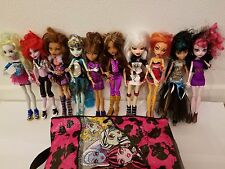 10 Monster High Dolls Clawdeen Wolf and Monster High Bag