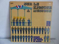 Sur le kiosque a musique Musique principale des troupes de marine CC 583 408