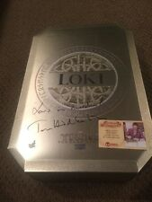 Loki hot toys 1/6 scale figure signed by Tom Hiddleston!!!