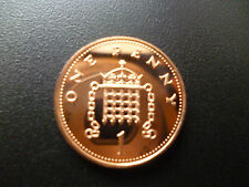 2002 PROOF 1P PIECE HOUSED IN A NEW CAPSULE, 2002 PROOF ONE PENCE COIN CAPSULED.