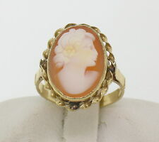 Vintage 14k Solid Yellow Gold Carved Shell Cameo Simple Petite Cocktail Ring