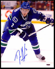 VANCOUVER CANUCKS HOCKEY #2 DAN HAMHUIS AUTO ON PHOTO 8X10 PIC SIGNED AUTOGRAPH