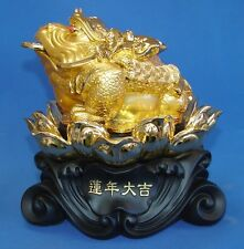 Feng Shui Golden Money Frog Statue Sitting on Lotus
